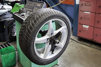 car tire cleaning stand